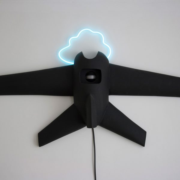 Not the Sky is the Limit | Hoogte: 44 cm | polyester en neon |