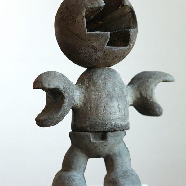Untitled Man | aluminium cement | hoogte : 30 cm