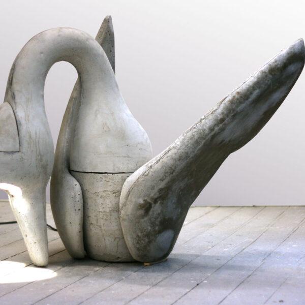 Zwaan | beton + licht | hoogte 110 cm